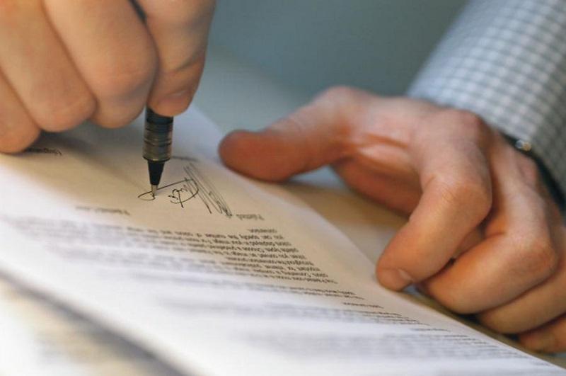 что делать если просрочен договор аренды земельного участка
