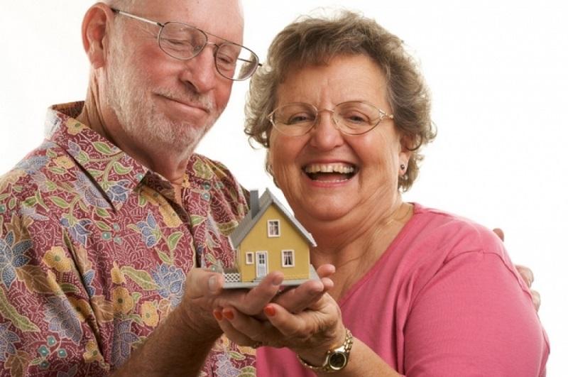 Как пенсионерам получить налоговый вычет за квартру