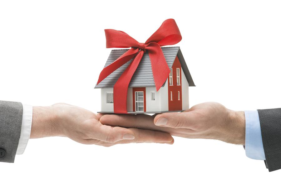 Дарение квартиры с обременением в 2019 году, договор дарения квартиры, как оформить, особенности процесса, список документов