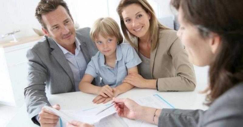 с какого возраста можно взять ипотеку