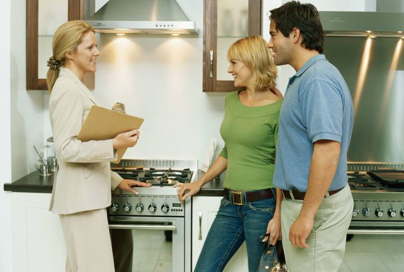 как платить налоги если сдаешь квартиру посуточно