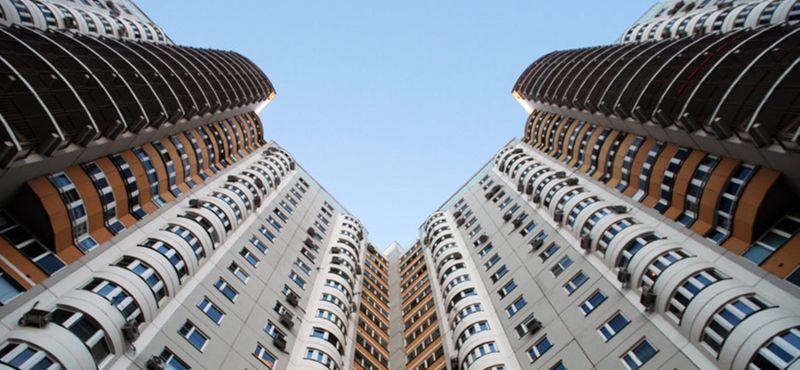стоит ли покупать квартиру на последнем этаже панельного дома