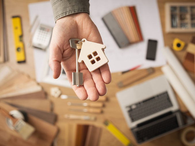 Кто оплачивает договор купли продажи квартиры у нотариуса