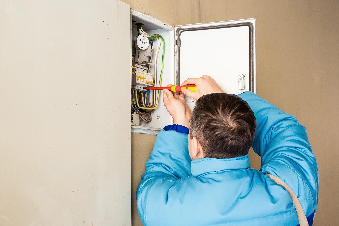 За чей счет меняется электросчетчик?