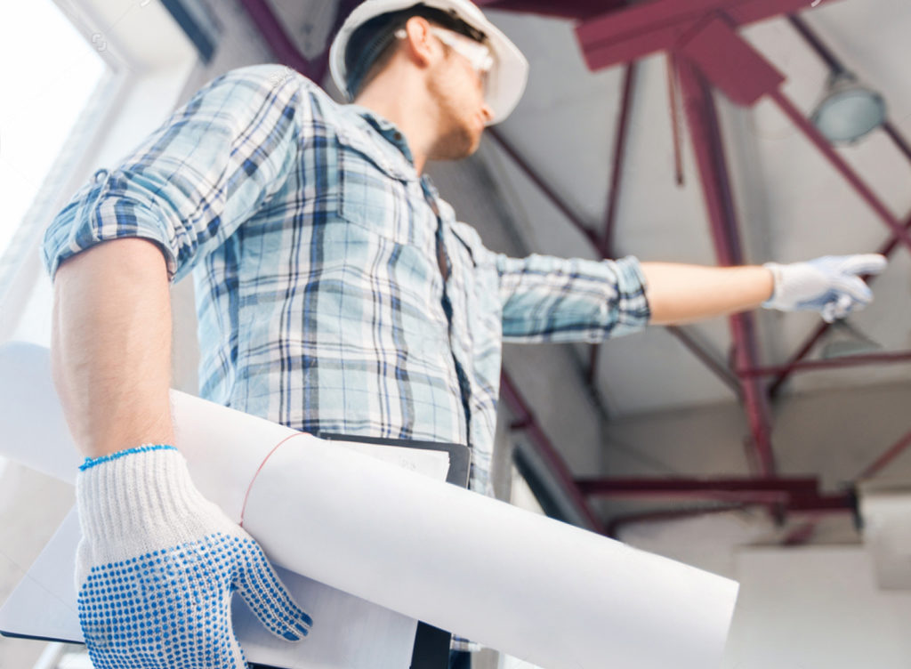 «Строили, строили и наконец построили»: что делать, если застройщик не сдает дом вовремя?