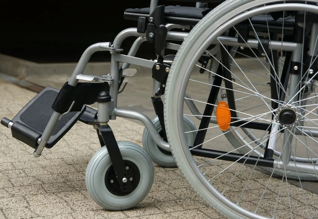 Как получить квартиру инвалиду?